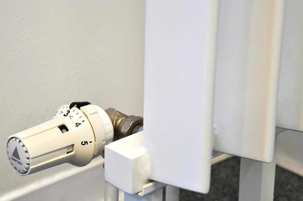 jak odpowietrzyć grzejnik łazienkowy