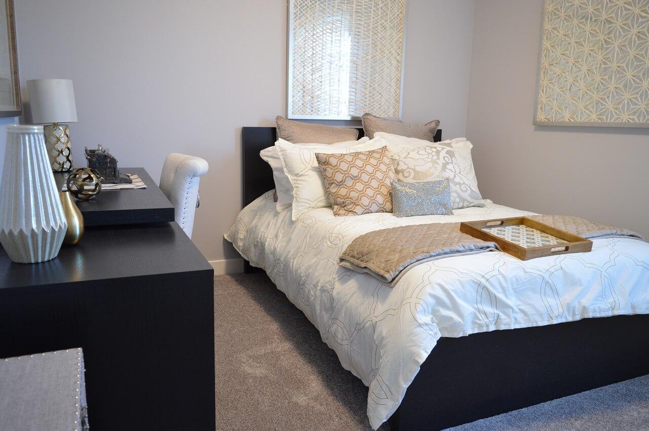 Jak urządzić małą sypialnię?  Sprawdzone aranżacje